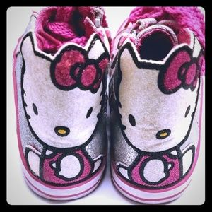 1c232ebec Hello Kitty Sneakers Tennis Shoes Girls Size 8